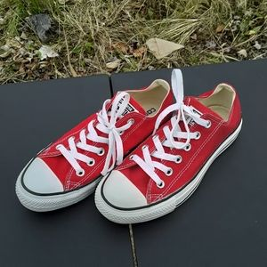 Converse All Stars Size 7.5 Womens